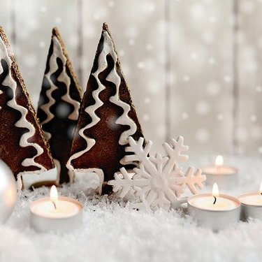 クリスマスディスプレイは100均で!店舗装飾はこれできまり!