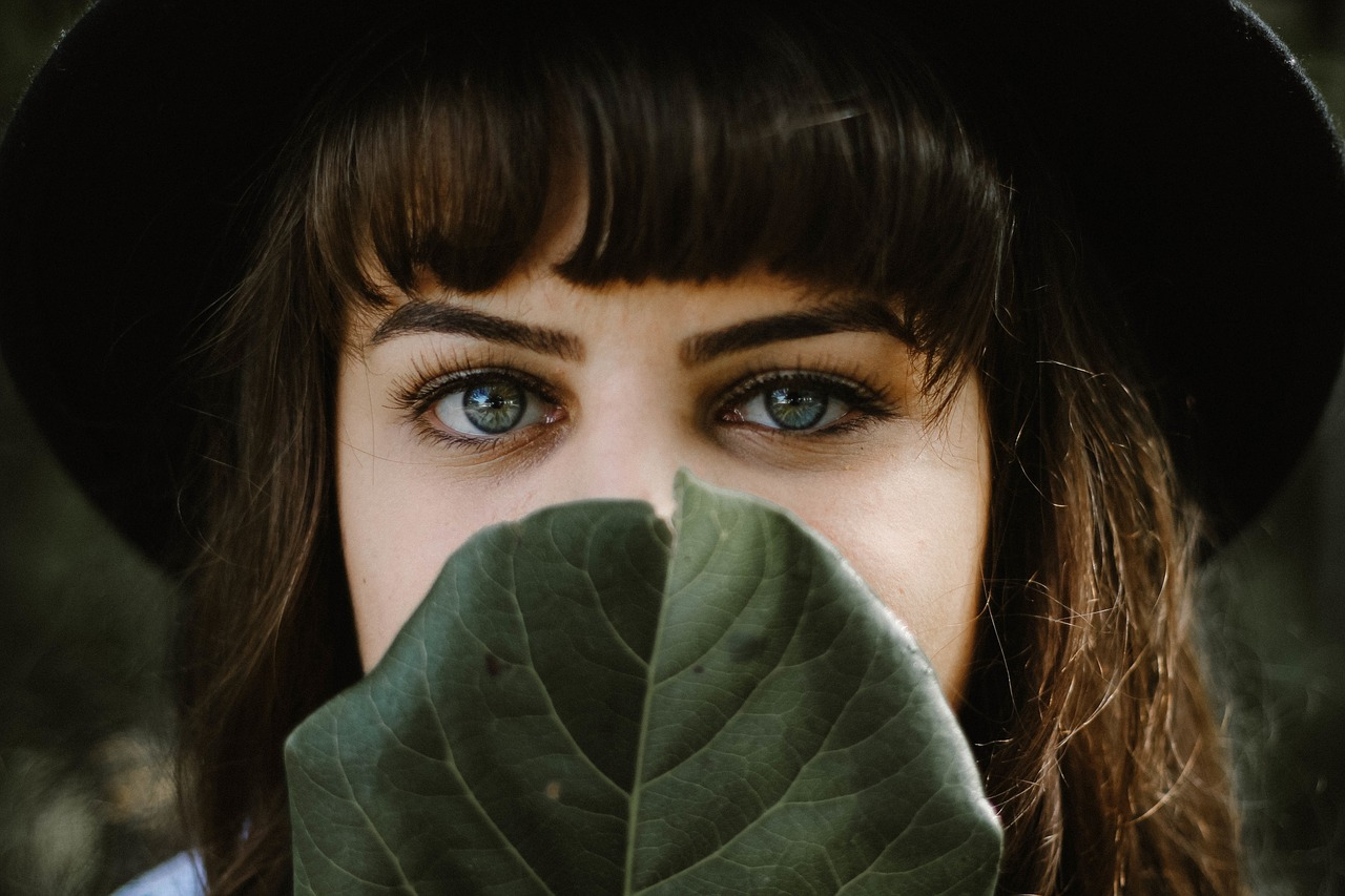 眉毛がかゆい原因はアトピー?脂漏性皮膚炎かも?対策を解説!
