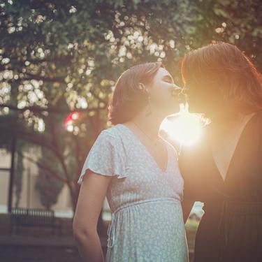女同士でキスする心理11選!
