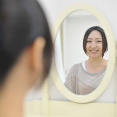 拭き取り化粧水とは?使い方や効果を解説!毛穴に効く?
