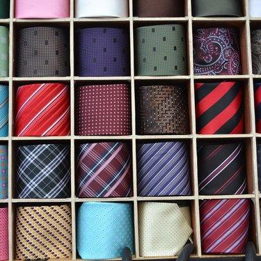 ネクタイをプレゼントする意味は?友達や上司にあげないほうがいい?