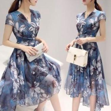ドレスコードがスマートカジュアルの時の女性の服装のおすすめ!