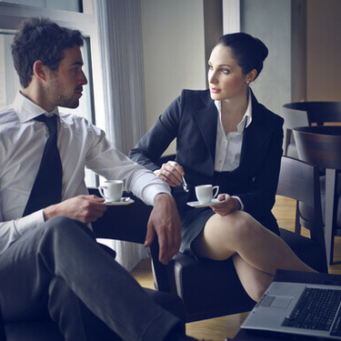 上司とキスしちゃった…しかも既婚男性。彼はどう思ってるの?