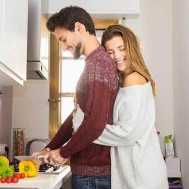 旦那さんが好きすぎる妻の特徴とは? 旦那への愛を上手に伝える方法
