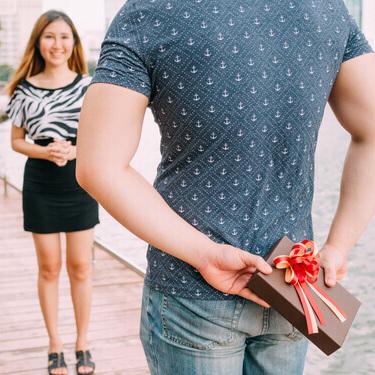 告白時にプレゼントがあれば成功率アップ?おすすめや選ぶコツとは