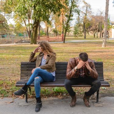人を嫌いになった時の対処法|冷めるきっかけは男女で違う?