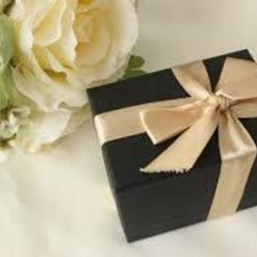 男友達への誕生日プレゼントおすすめ24選!プチプラや面白プレゼントまで♪