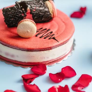 【夢占い】ケーキの夢の意味は?恋愛やお祝い事に繋がっている!