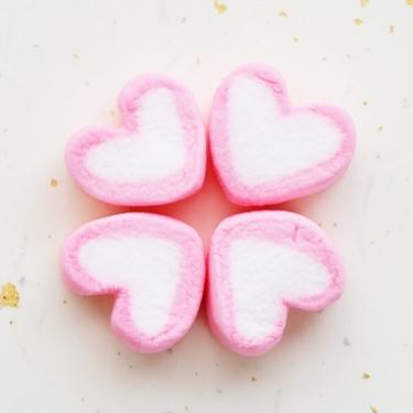 【夢占い】駄菓子屋の夢の意味7選!愛情や恋愛の深層心理がわかる♡