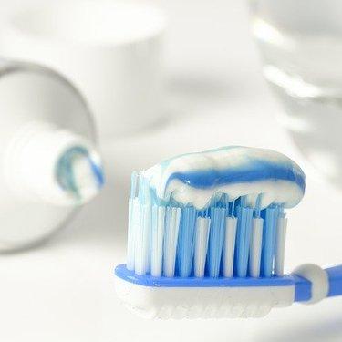 【夢占い】歯磨き・歯を磨く夢の意味25選|恋愛・健康運がわかる!?