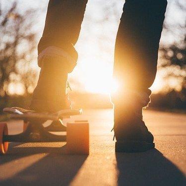 スケボーの夢が示す意味25選【夢占い】乗りこなす・練習・転倒など
