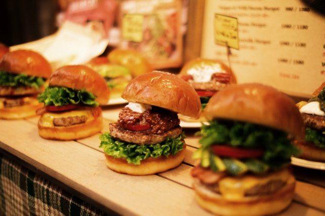 函館のハンバーガー『ラッキーピエロ』メニューのおすすめは?お土産も!