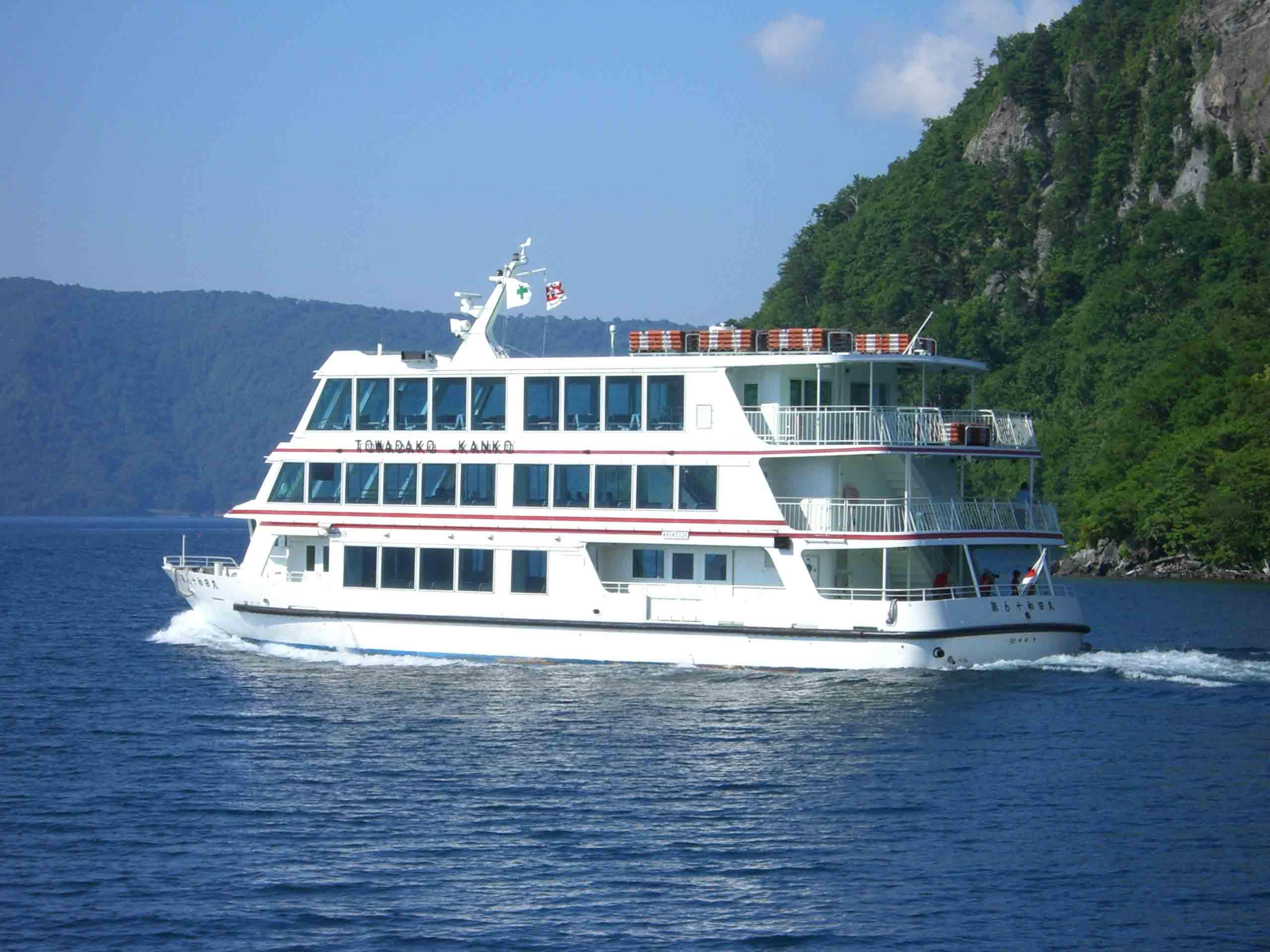 十和田湖観光のおすすめの楽しみ方!自然の魅力たっぷり!遊覧船も!