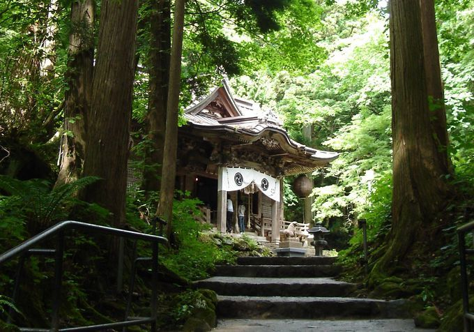 十和田神社の魅力!パワースポットで有名!恋愛にご利益あり?お守りも!