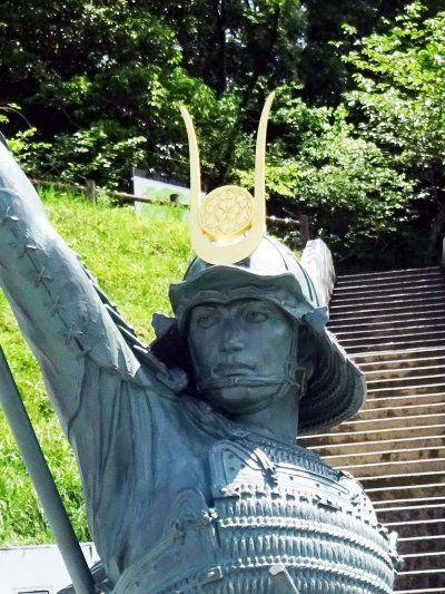 長宗我部元親は真田丸で話題!子孫・城・家紋・銅像を巡る旅行がおすすめ