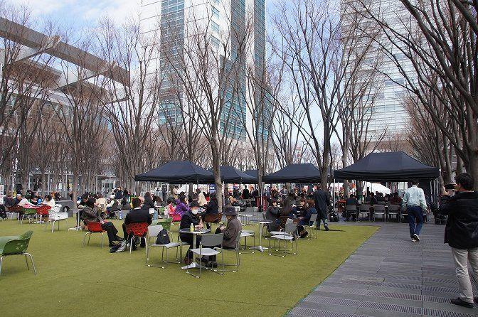 さいたま新都心のけやき広場はイベントだらけ!ビール祭りやレストランあり!