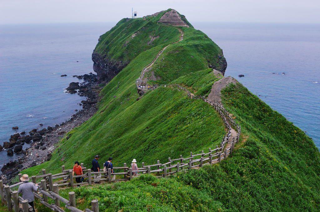 北海道・神威岬の絶景がすごい!女人禁制や伝説とは?周辺の食事処も!