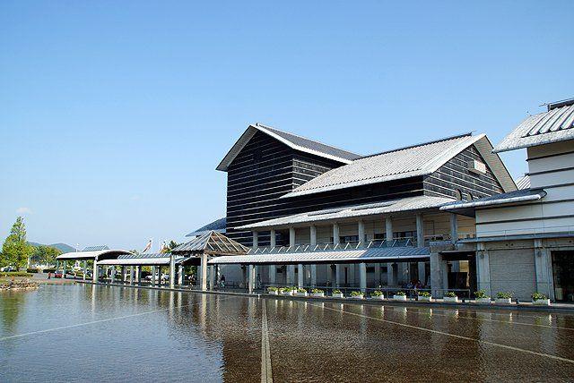 高知県立美術館ホールアクセスは?こども県展・イベント・映画・カフェ情報