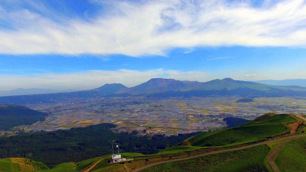 阿蘇大観峰は絶景スポット!大パノラマに感動!ミルクロードからのアクセスは?