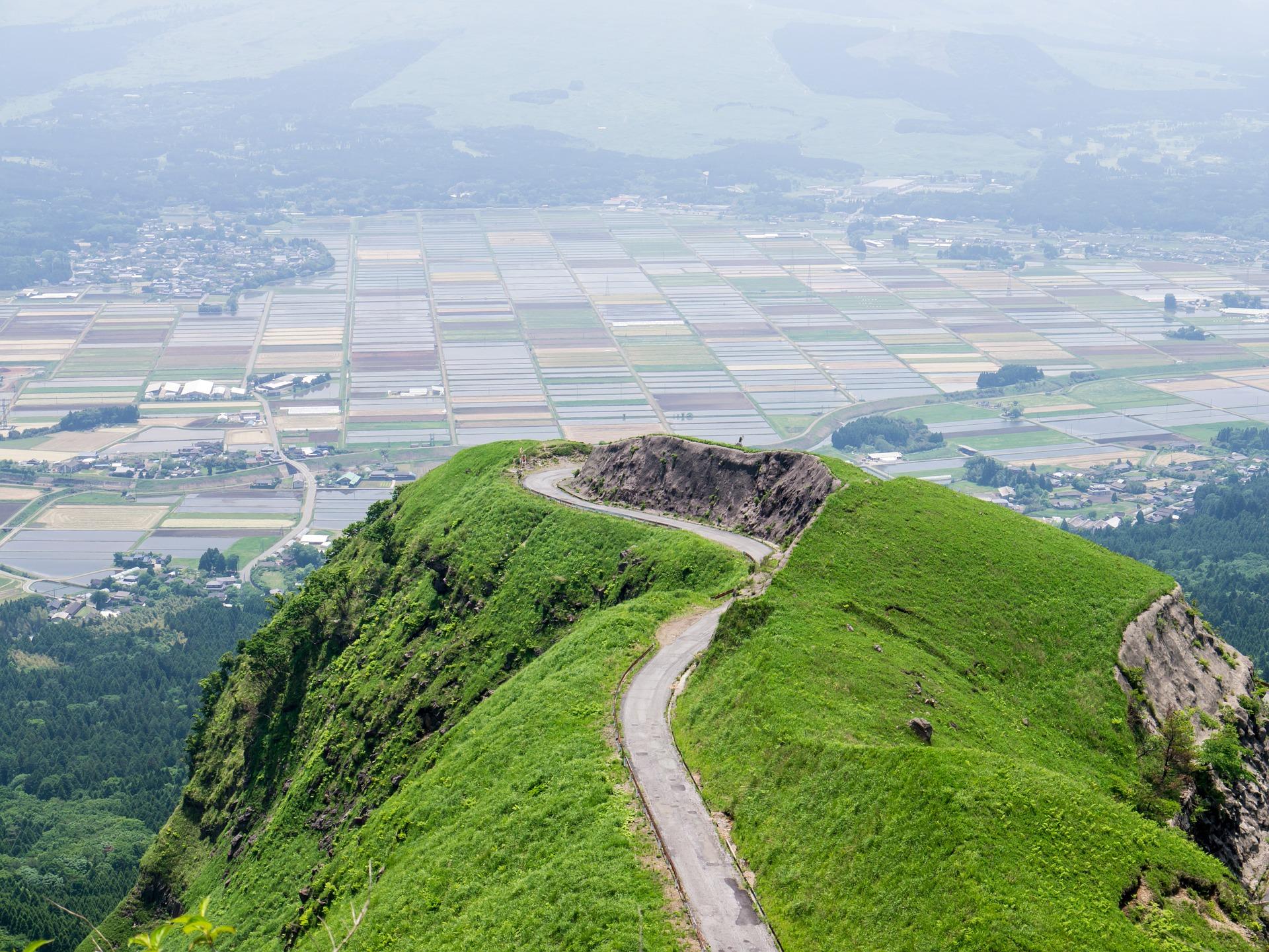 阿蘇ラピュタの道の地震後の姿は?行き方は?熊本の絶景はジブリの世界!