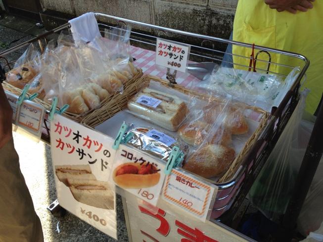 勝浦の朝市でおすすめの食事は海鮮丼?名物を紹介!駐車場は?