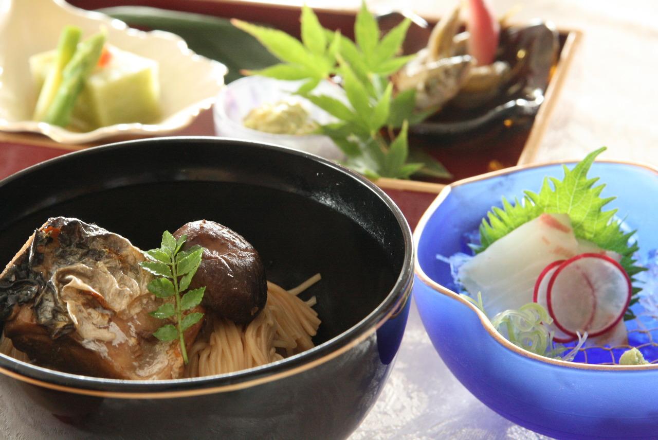 長浜市内・駅周辺の名物グルメランキング21!人気店は並んででも食べたい!