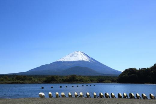 精進湖民宿村でキャンプ!バス釣りも楽しめて自然を満喫!アクセスは?