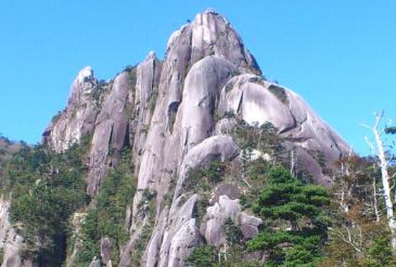 大崩山(おおくえやま)は高難易度の秘境!初心者登山の装備やルートは?