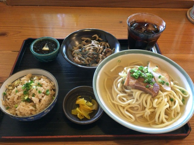 宮古島のおすすめグルメをご紹介!郷土料理から定番メニューまで全て絶品!