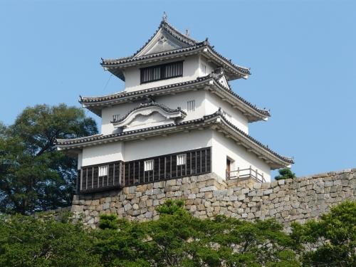 丸亀城のおすすめ紹介!見所やグルメ・お土産など!絵手紙おばあちゃんとは?
