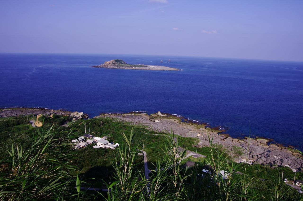 小宝島の魅力を紹介!穴場観光地のおすすめは?温泉や宿泊先も!
