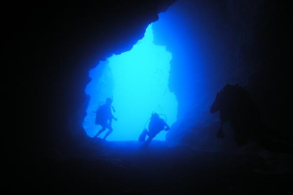 渡名喜島はダイビングがおすすめ!見どころや沖縄の歴史をご紹介!