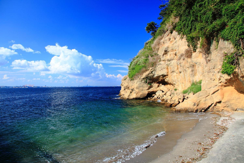 横須賀から猿島への行き方は?ラピュタみたいな風景があるって本当?
