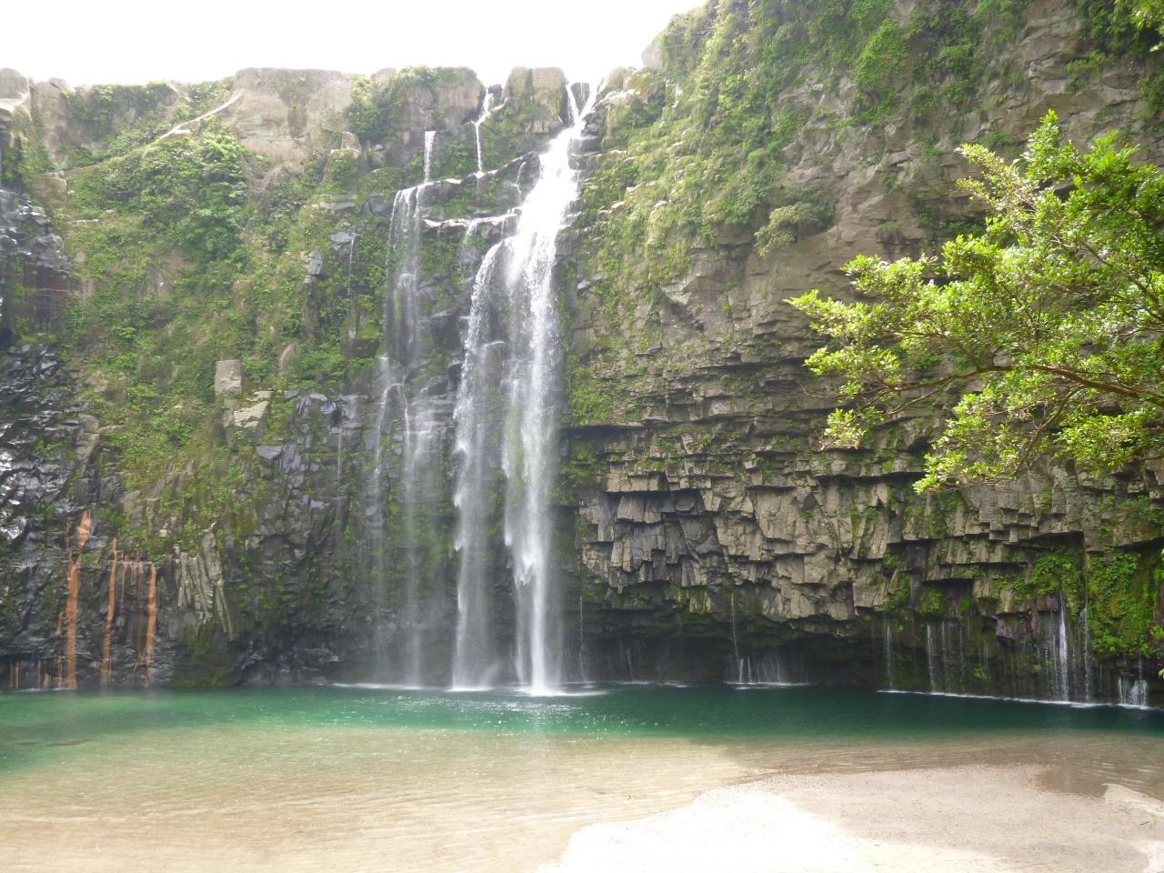 雄川の滝の見所・行き方!おすすめは展望台!魅力的なエメラルドグリーンに感動!