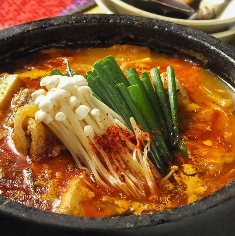 韓国の鍋料理をご紹介!スープの種類が豊富!おすすめの一品は?