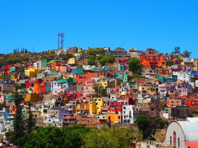 グアナファト観光の見所は世界遺産のカラフルな街並み!人気スポットは?