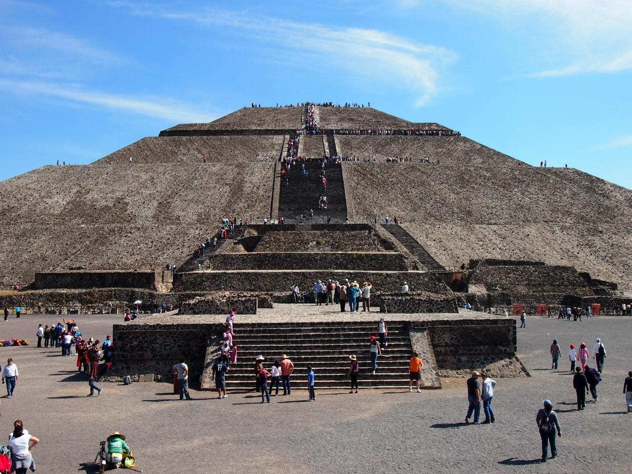 テオティワカンへの行き方紹介!不思議な魅力の神秘的な遺跡を観光!