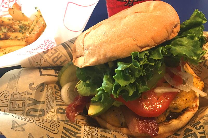 ハワイのハンバーガーが美味しいお店TOP5!日本上陸店もあり!