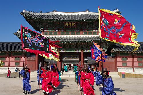 景福宮は韓国の名所!光化門や交代式も見もの!入場料はいくらかかる?