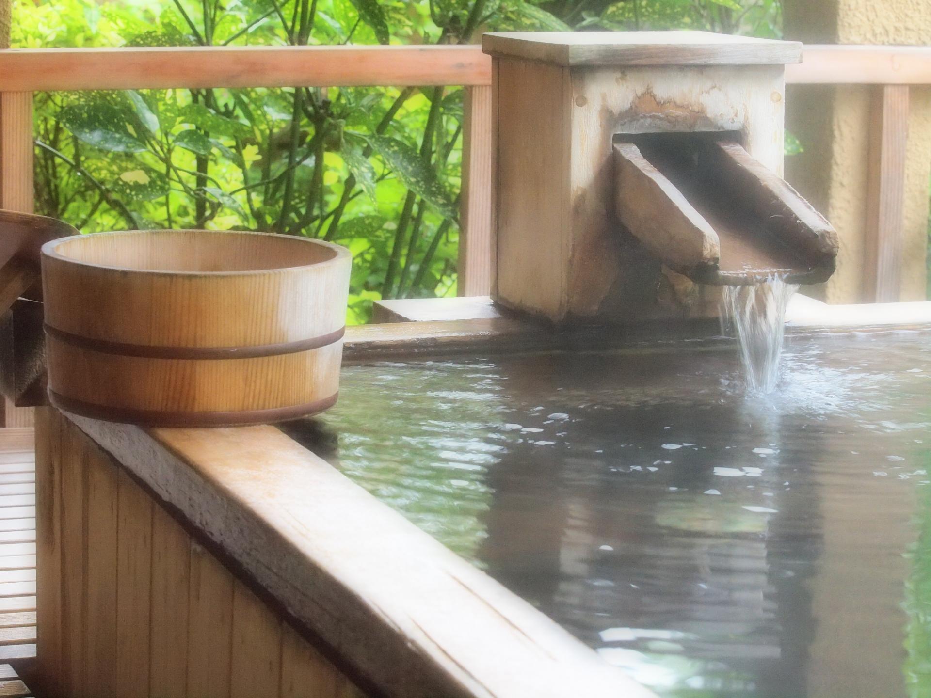山中湖おすすめ温泉施設は?日帰りや宿泊も人気!かけ流しの贅沢な湯で癒されたい