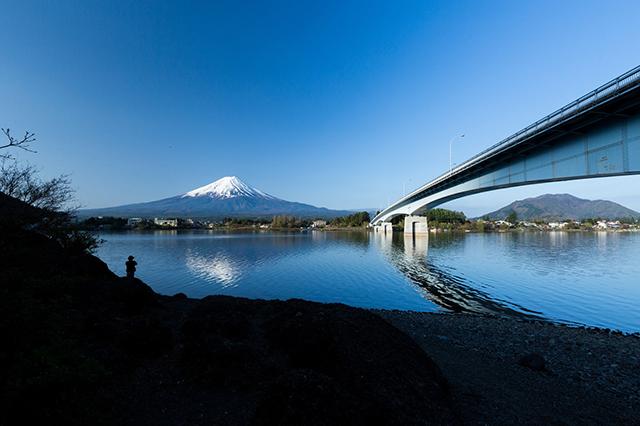 本栖湖のおすすめ観光ガイド!人気グルメやアクティビティ情報満載!