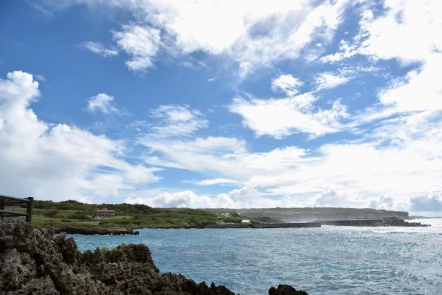 宮古島の温泉は日本最南端!オーシャンビューの露天風呂はおすすめ!水着で混浴も
