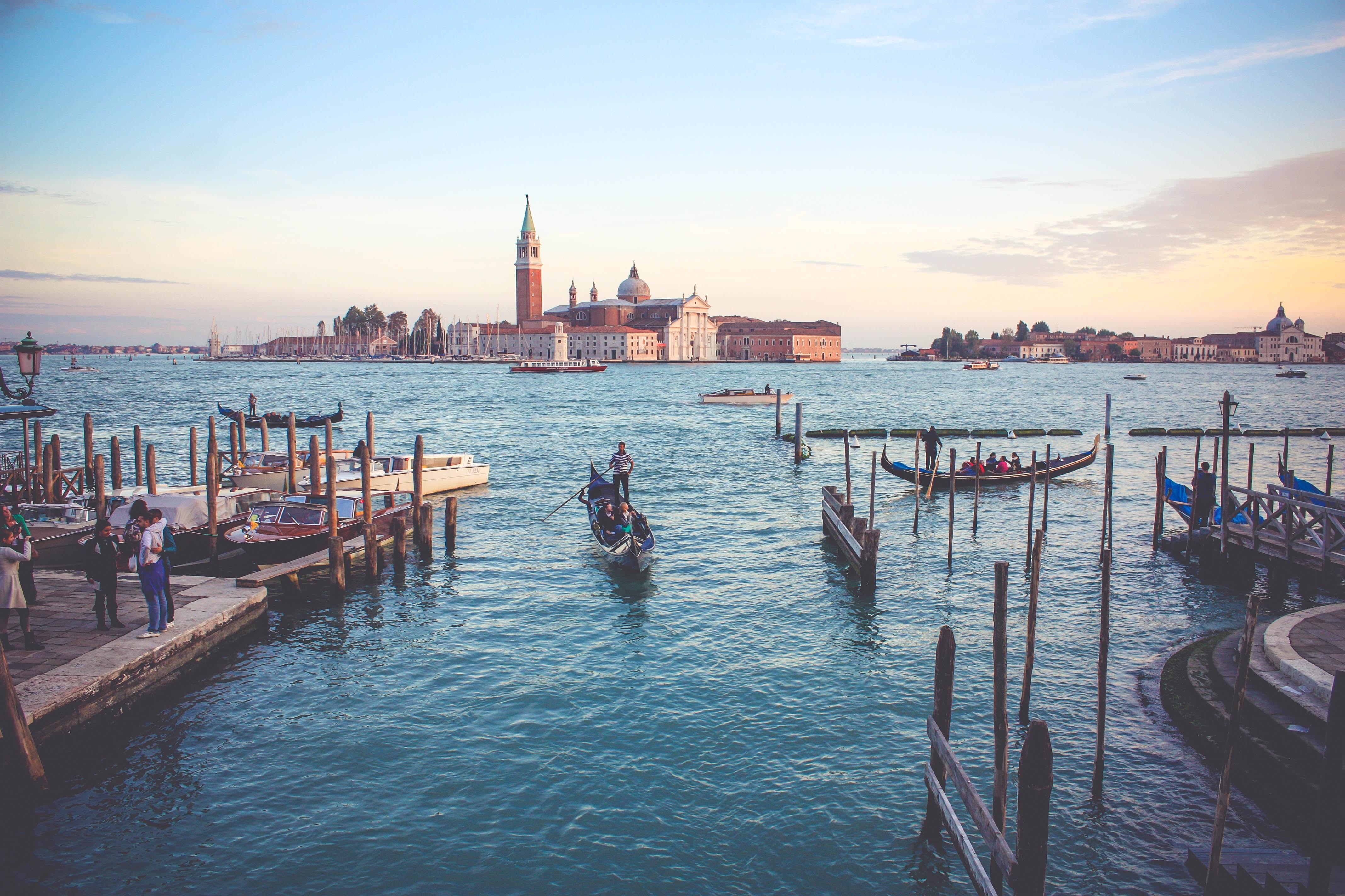 ムラーノ島の観光スポットや見どころは?ベネチアガラスはお土産にもおすすめ!