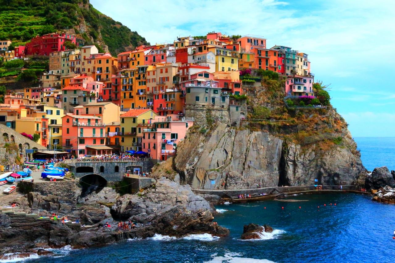 チンクエテッレへの行き方は?イタリアの絶景観光スポット!