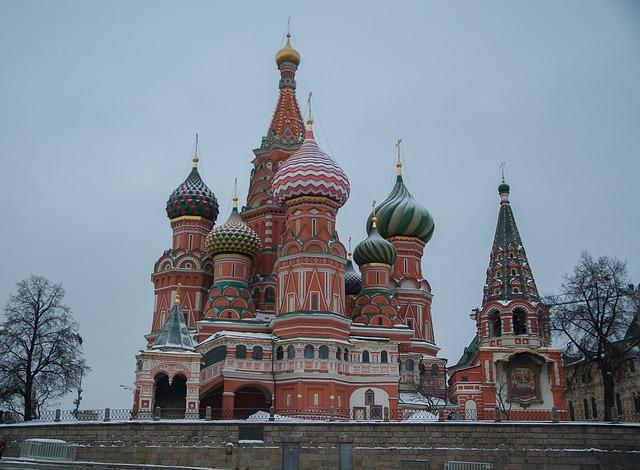 赤の広場・クレムリンはモスクワの観光スポット!世界遺産の行き方も!