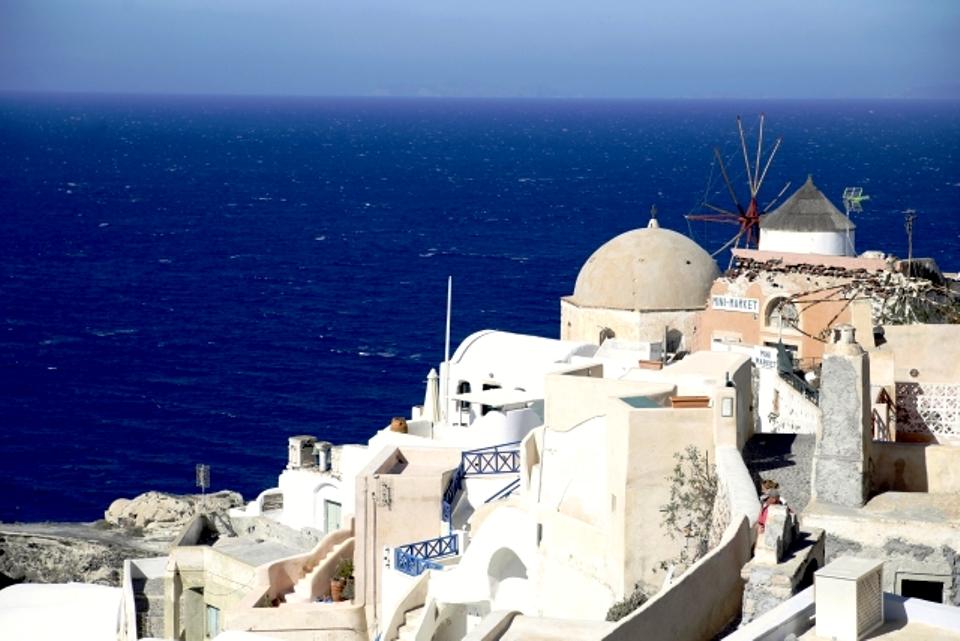 サントリーニ島のおすすめ観光スポットはココ!行き方・ベストシーズンも紹介!