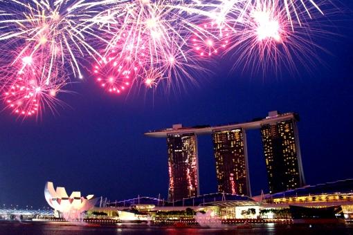 シンガポールの電圧・電源プラグについて解説!旅行に役立つ便利グッズも紹介!