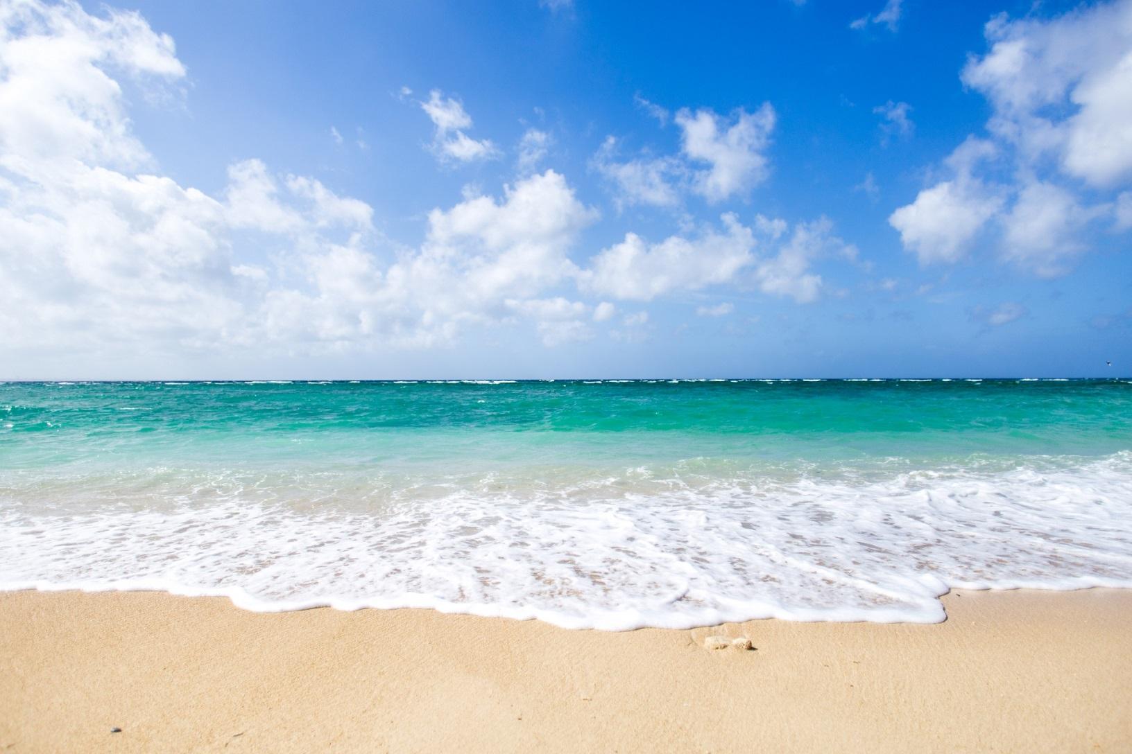 平安座島をドライブ観光しよう!橋から眺める海は絶景でおすすめ!