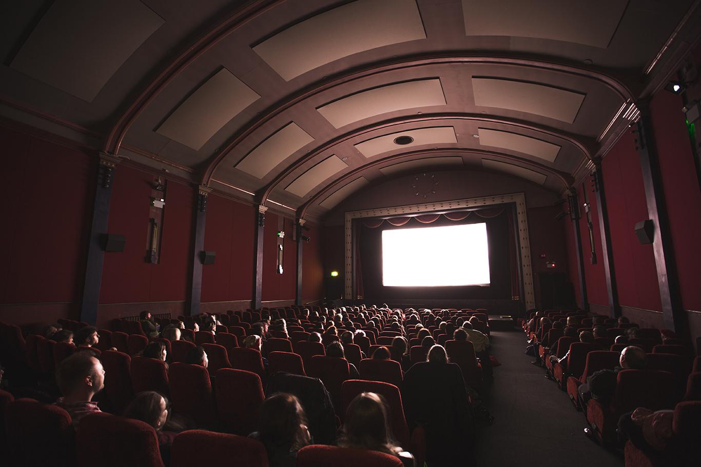 新宿のおすすめ映画館をまとめて紹介!デートプランにも使える!