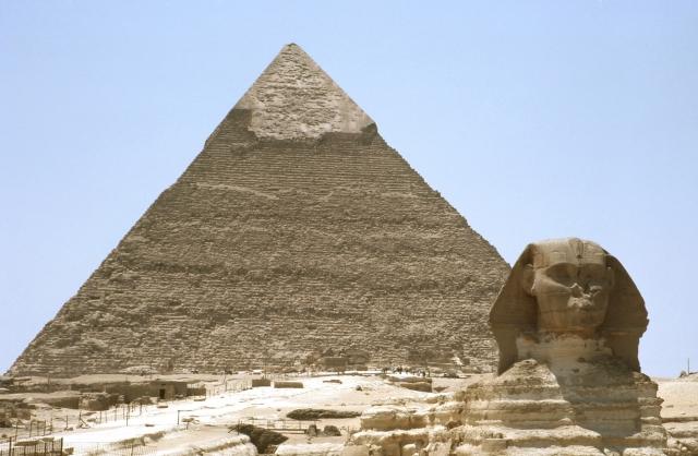エジプトの言語は?英語は通じるの?旅先で困らない使える言葉ご紹介!